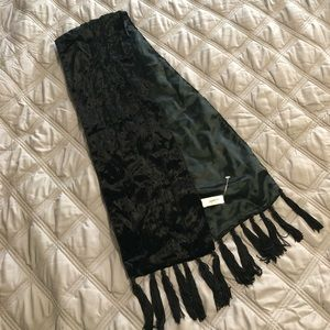 Jacqueline Ferrar velvet scarf